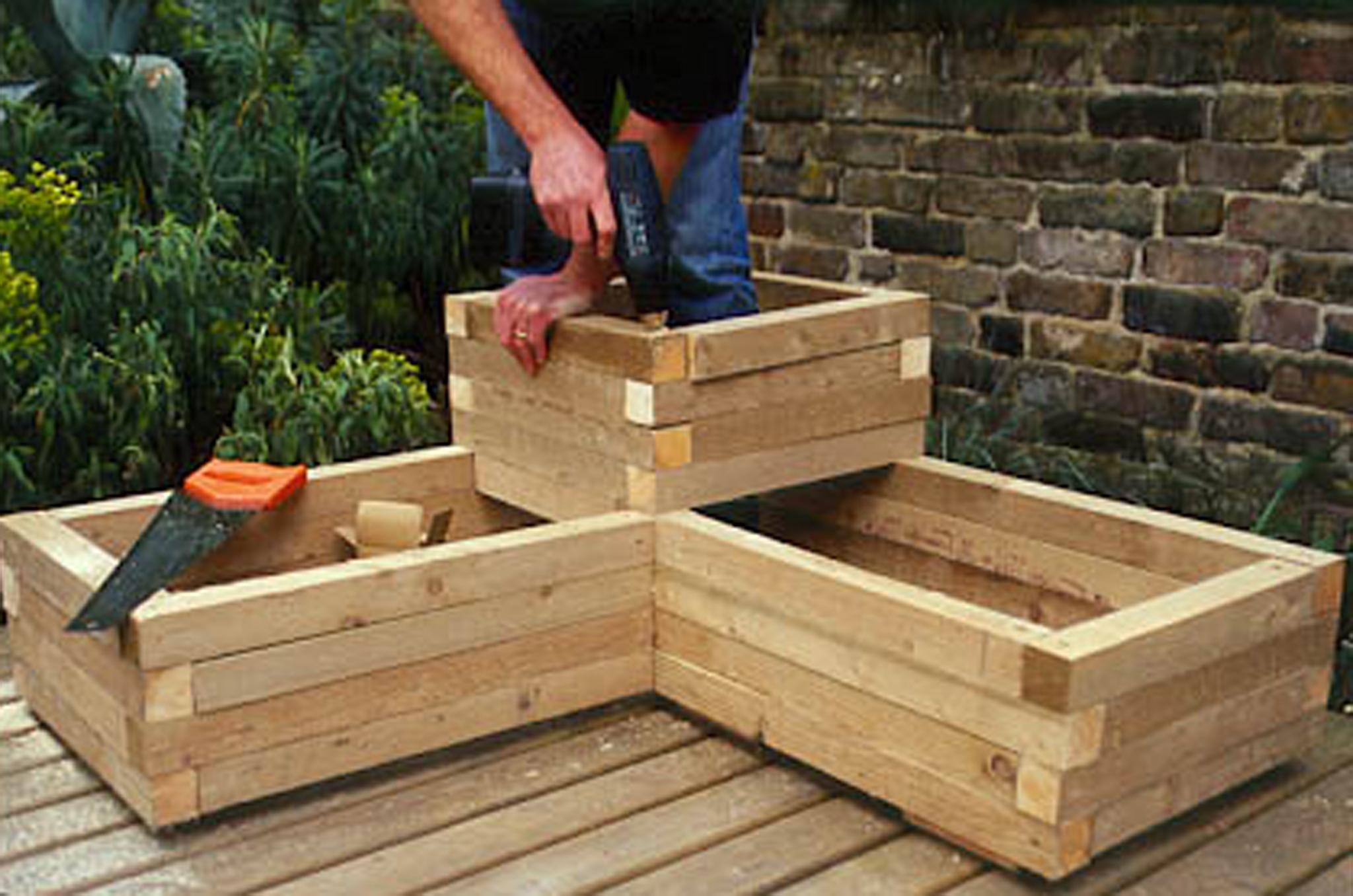 Creating A Wooden Planter Gardenersworld Com