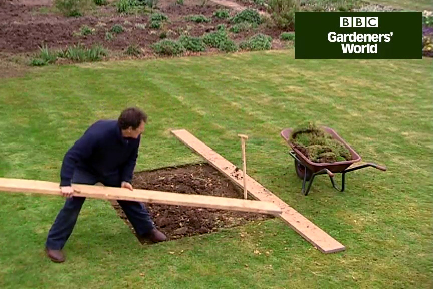 How to renovate your lawn video