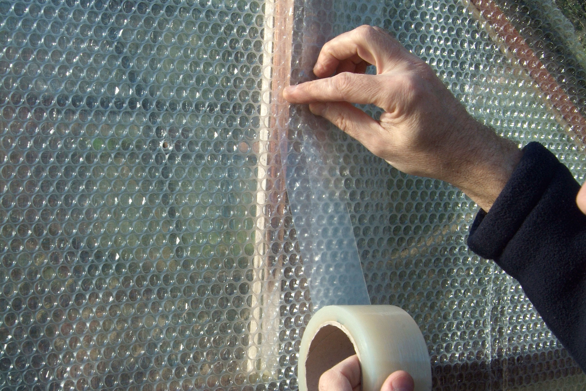 sealing-draughts-in-the-greenhouse-2