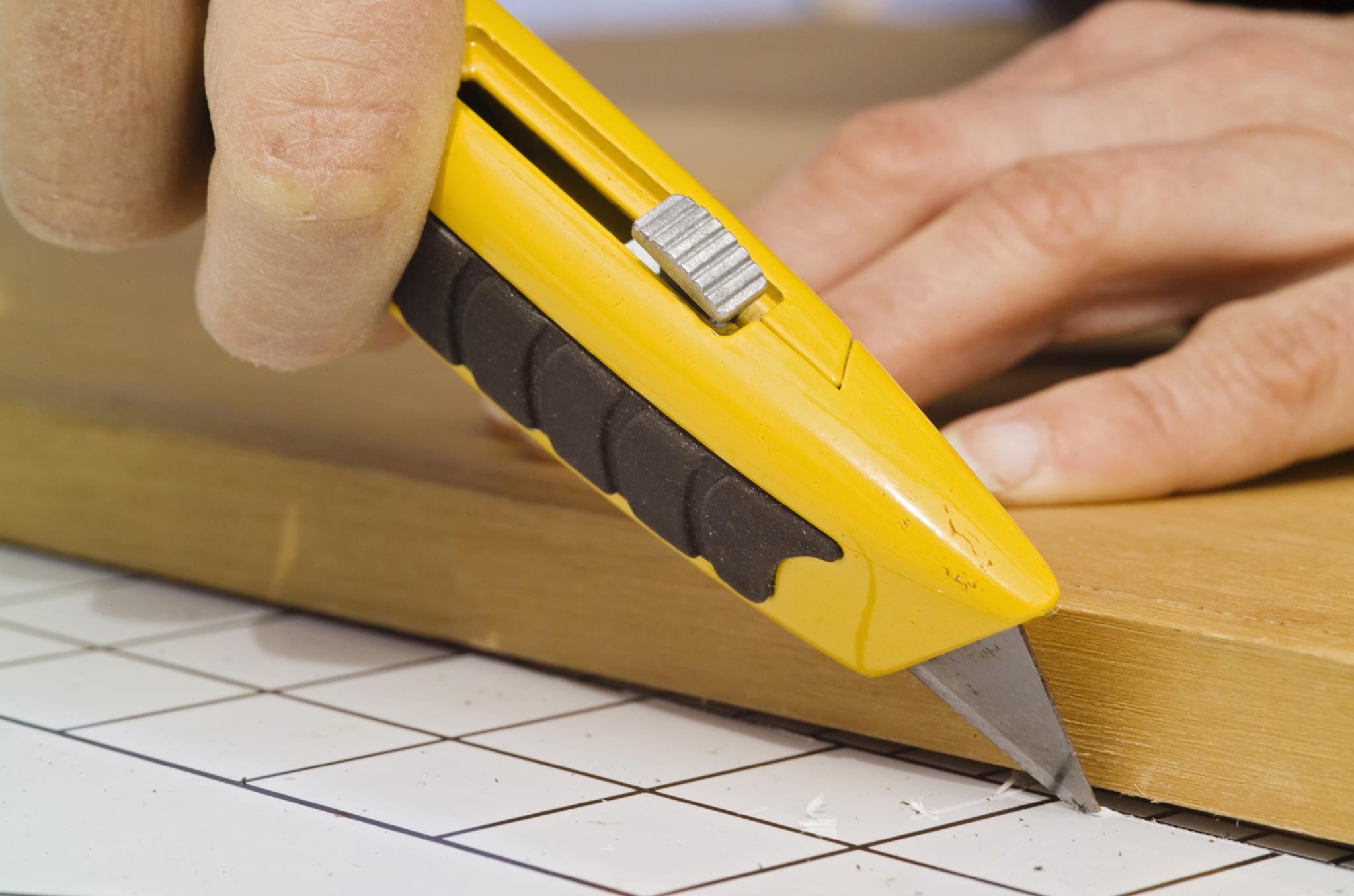 cutting-the-acrylic-sheet