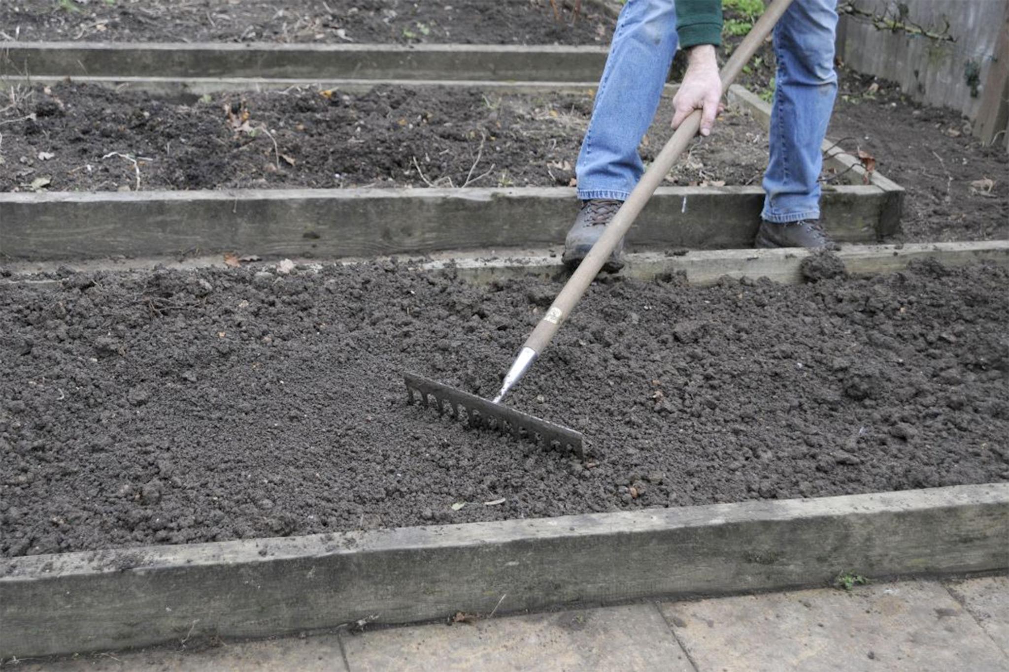 prepare-soil-3