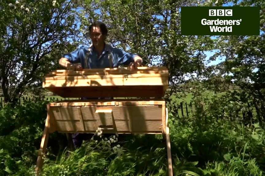 Keeping a top bar beehive (part one) video