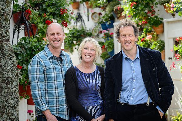 Gardeners 39 world magazine for Gardening programmes on tv