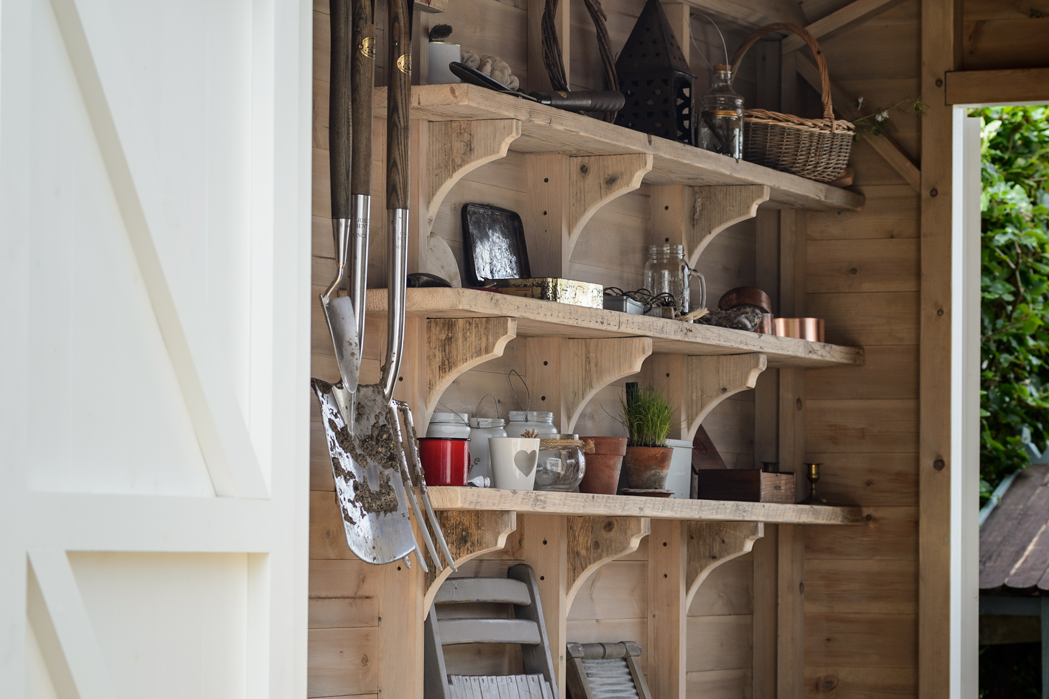 tidy-garden-shed-2