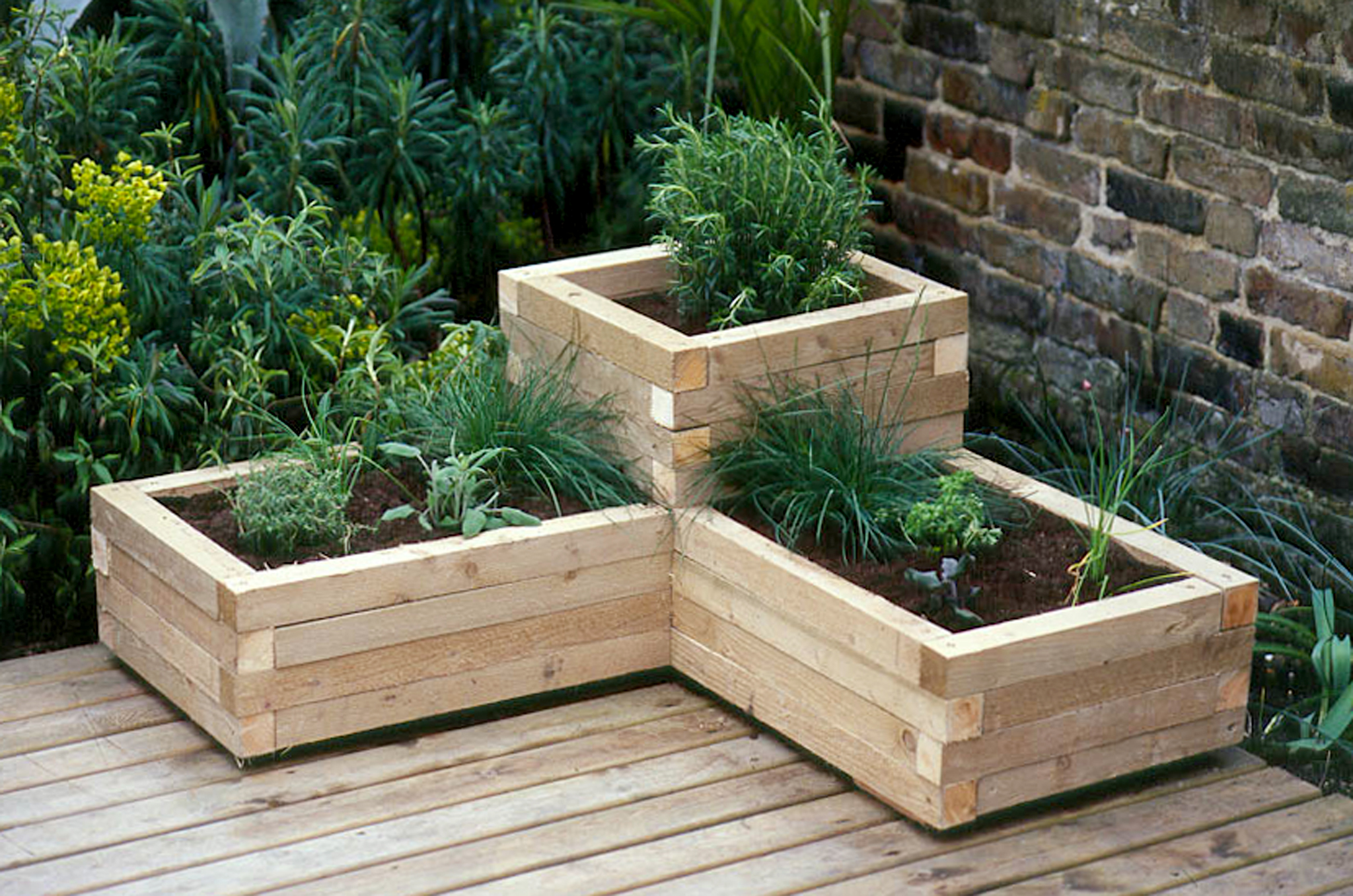 creating a wooden planter. Black Bedroom Furniture Sets. Home Design Ideas