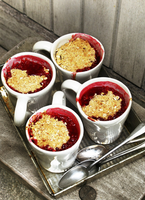 Quince and plum crumble