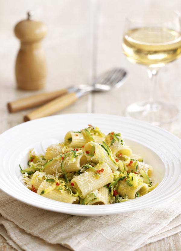 Rigatoni Pasta Recipe with Courgette, Lemon and Parmesan
