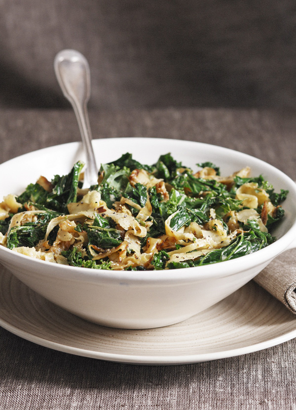Kale with parsnips and cream
