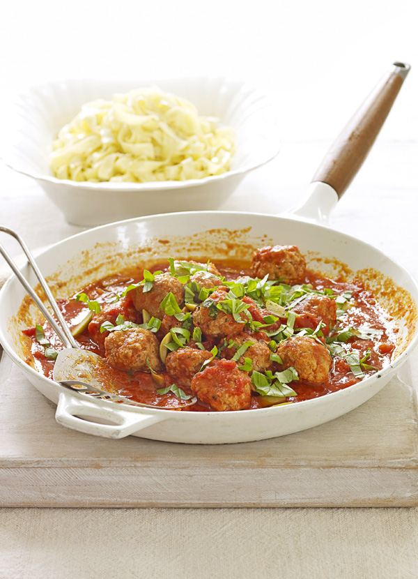 Easy Meatball Recipe With Tomato and Green Olive