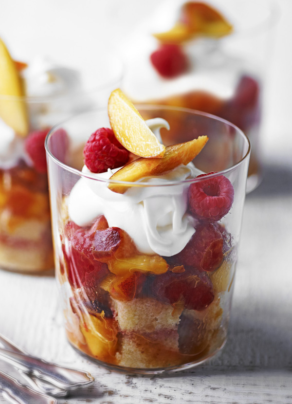 Peach and raspberry trifle