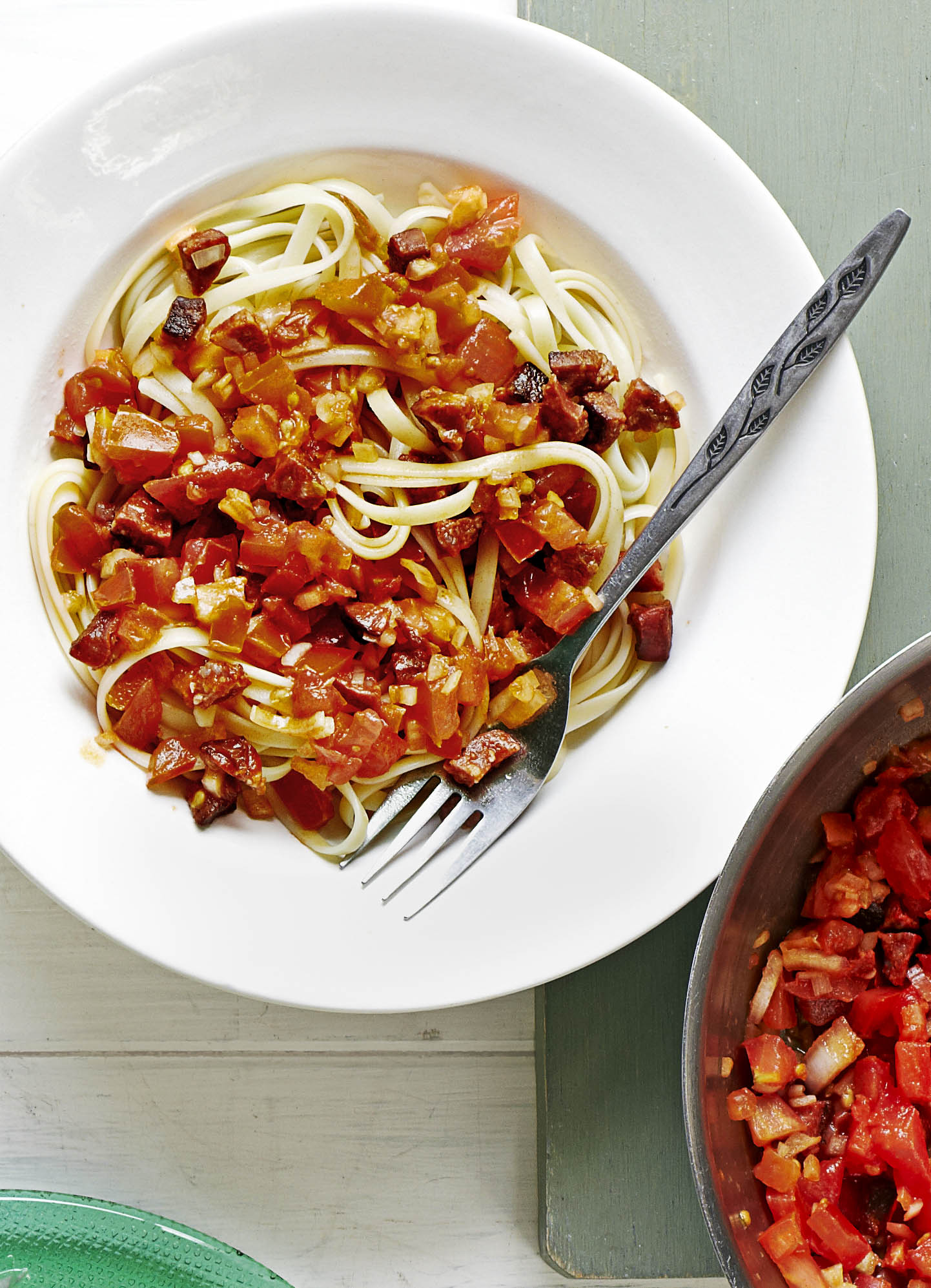Linguine Pasta with Chorizo and Fresh Tomato Salsa Recipe