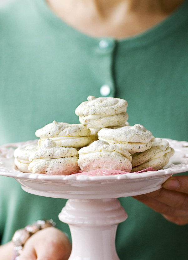 Pistachio Meringues with Cream Recipe