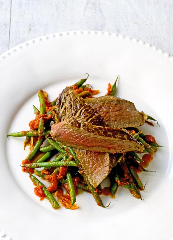 Balsamic-glazed steak with garlicky green beans