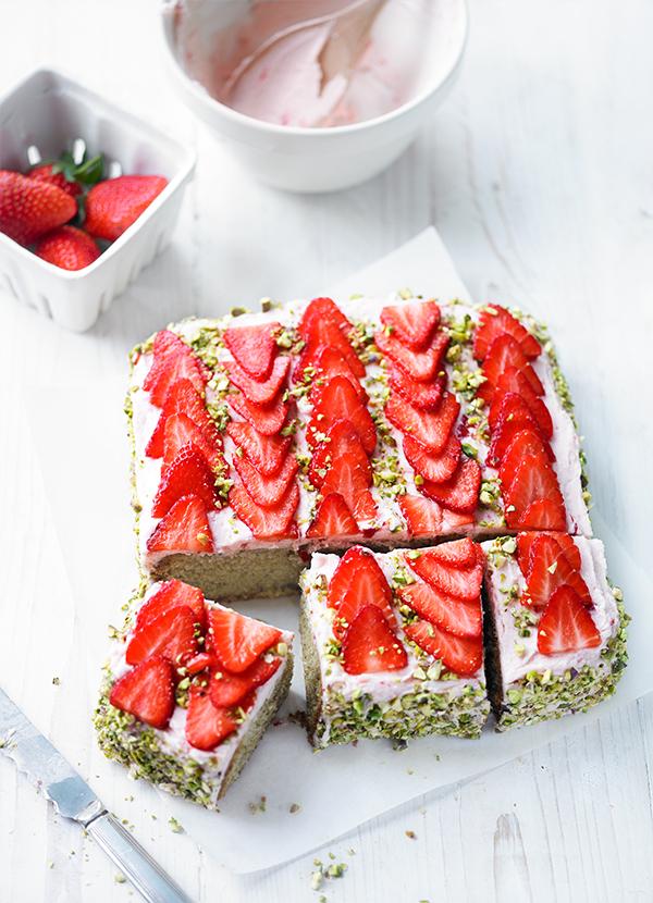 Strawberry and Pistachio Cake Recipe