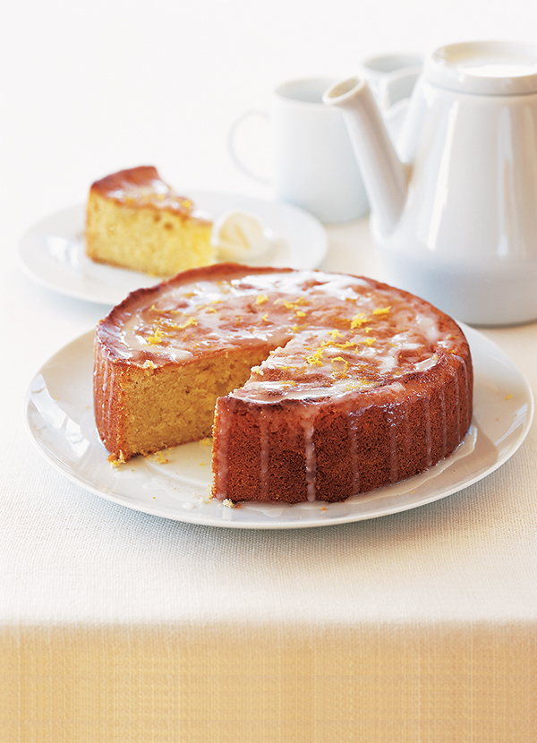 Easy Lemon Drizzle Cake Round