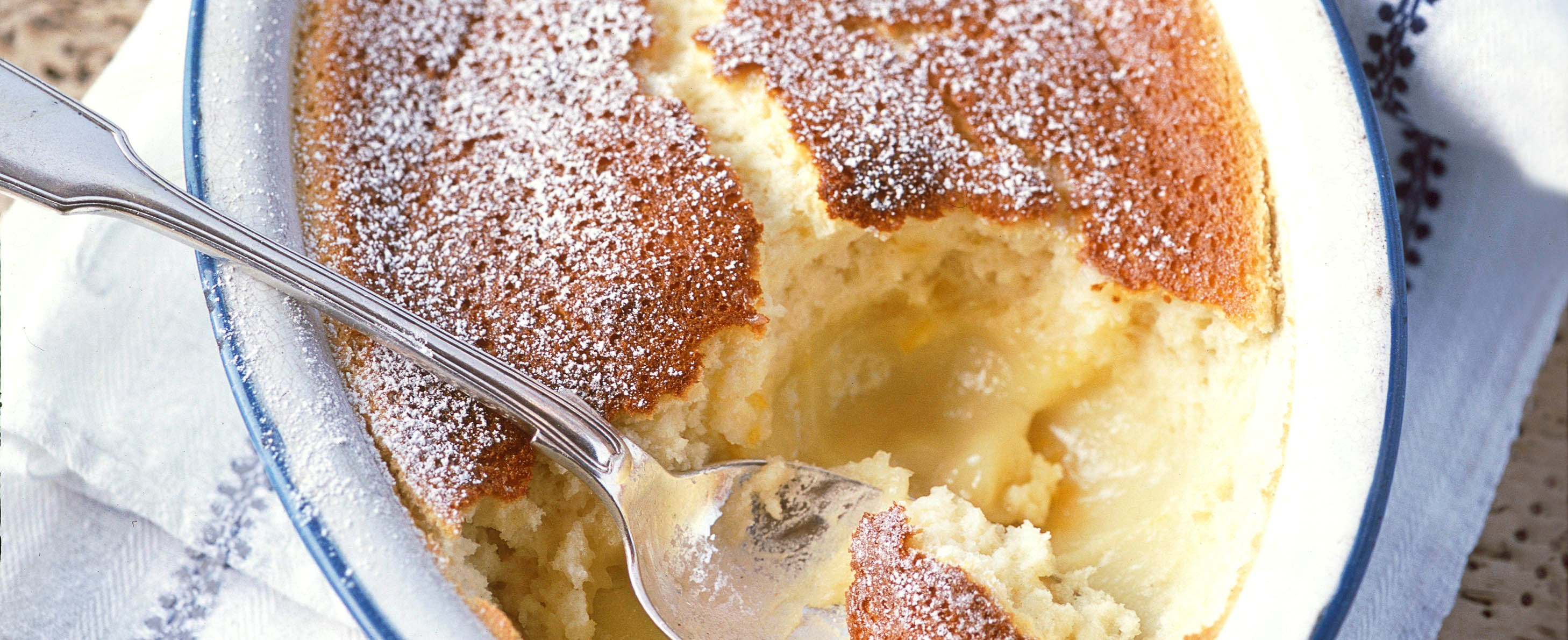 Lemon self-saucing pudding (Lemon surprise pudding)