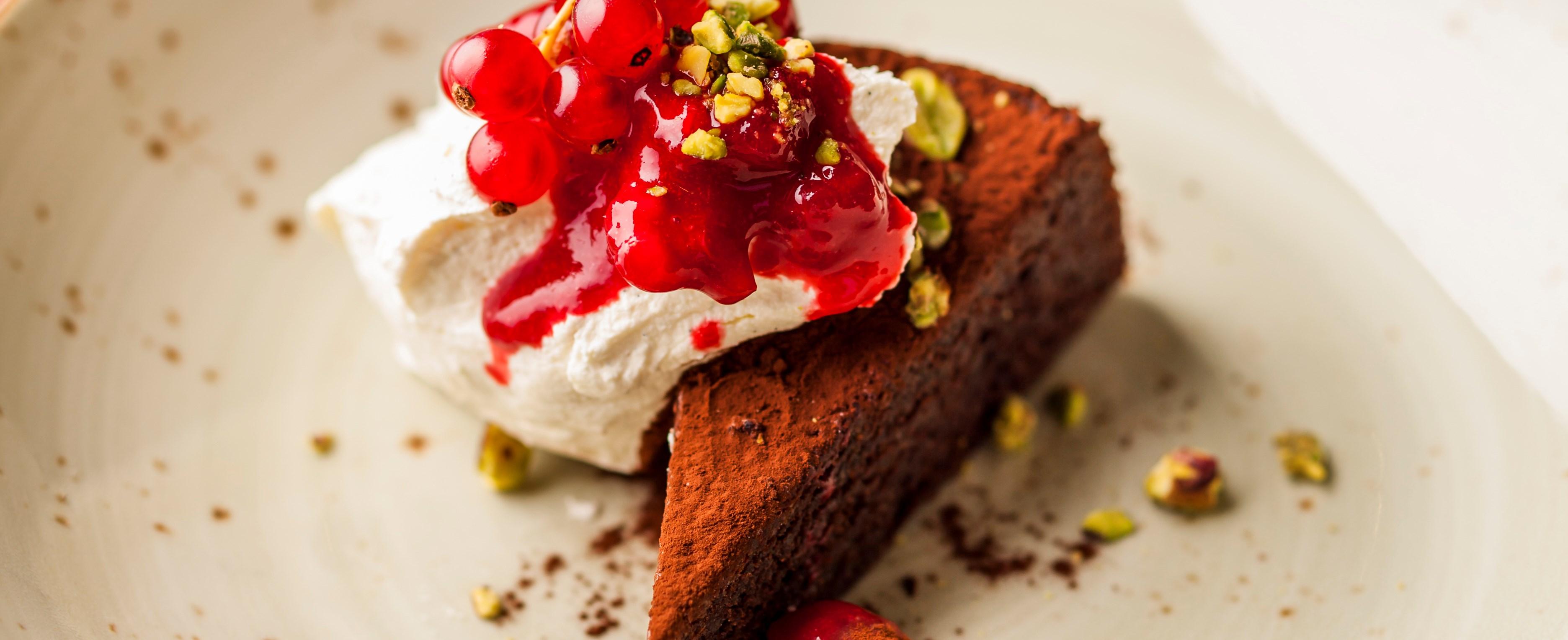Best ever chocolate pudding recipes - Flourless chocolate cake (caprese)