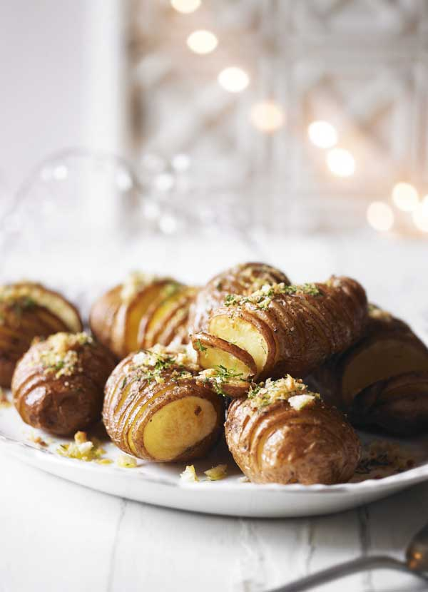 Hasselback Potatoes Recipe With Dill and Lemon Crumbs