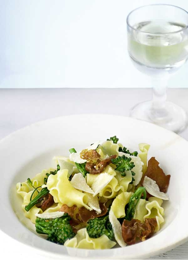 Fiorelli with broccoli and crisp prosciutto