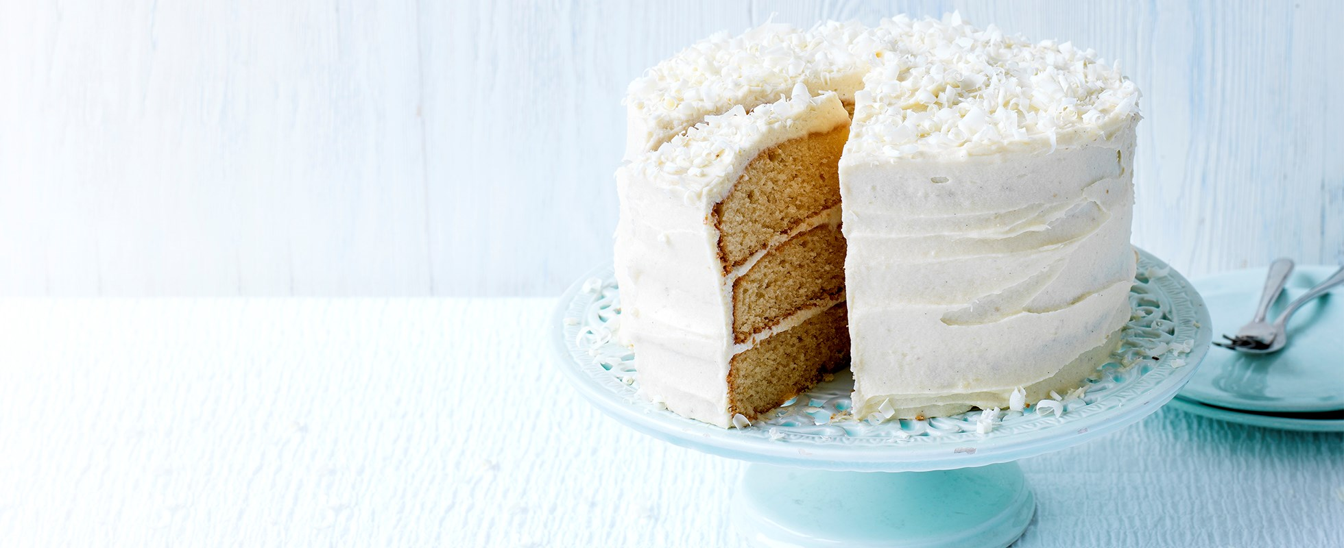 Easiest ever white chocolate fudge cake