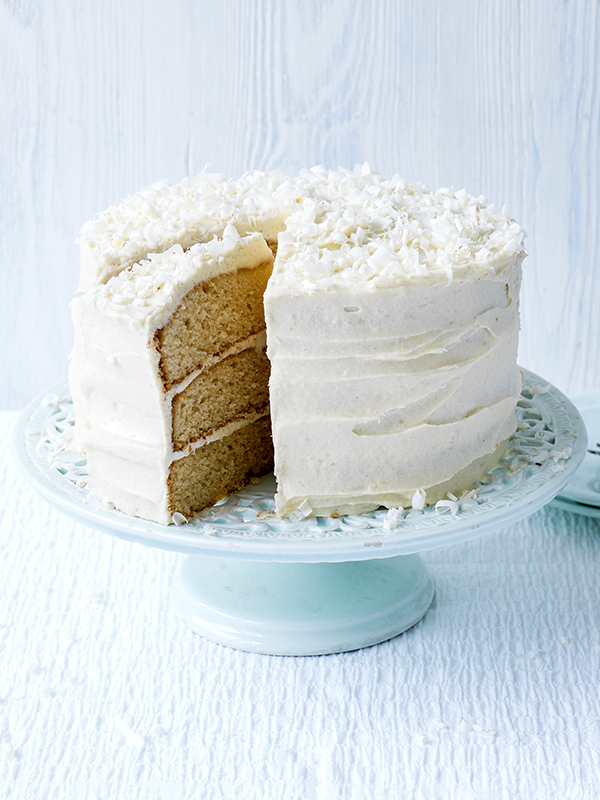 Easy White Chocolate Fudge Cake Recipe