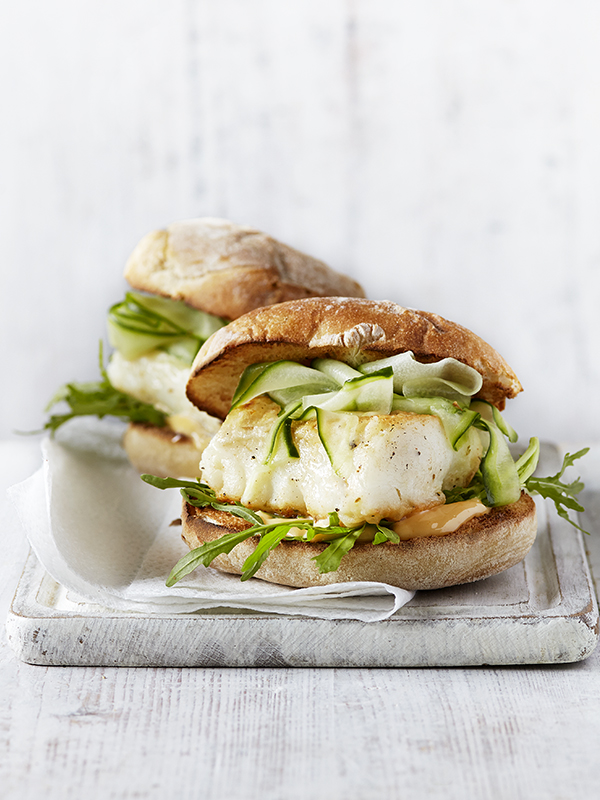 Spicy fish burger with chilli mayo