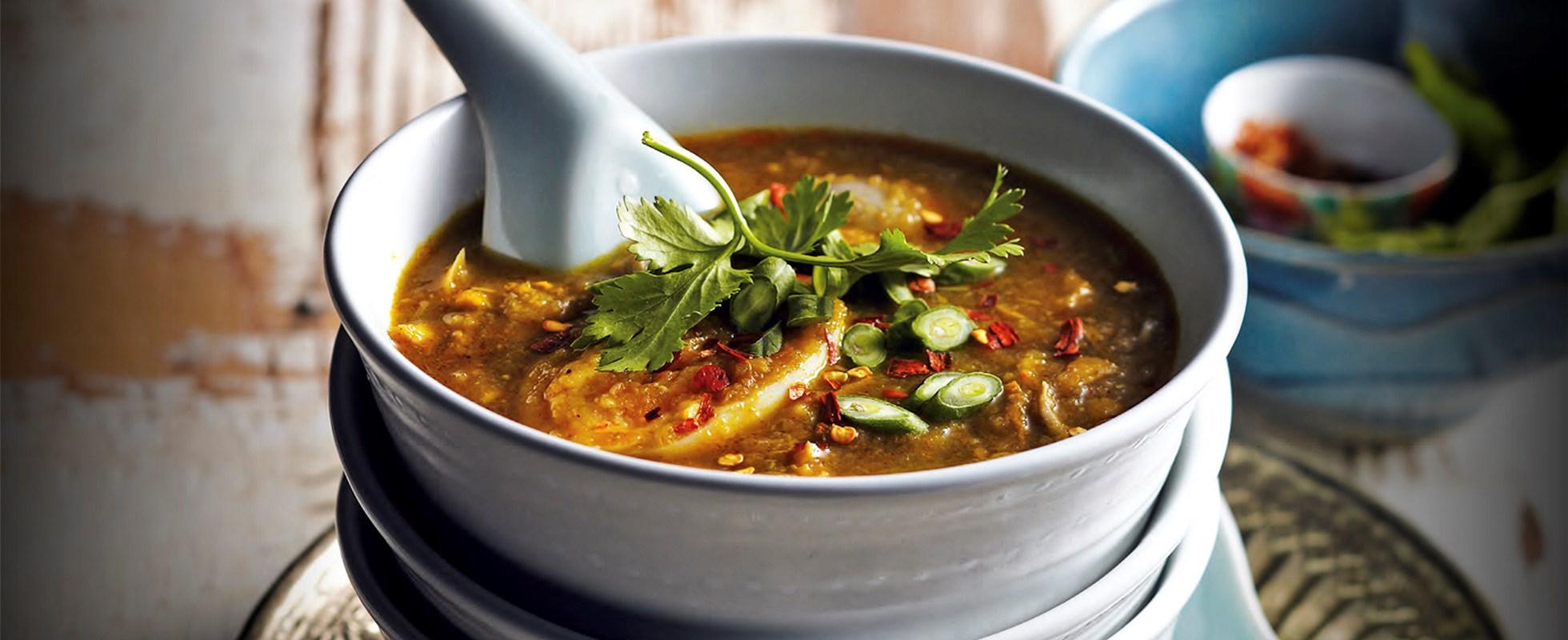 Mohinga soup