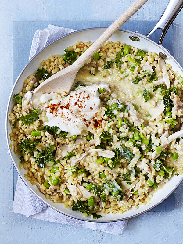 Barley risotto with chicken, beans & kale