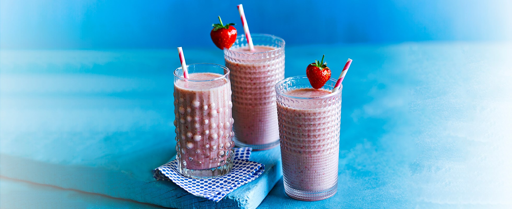 Strawberry and almond breakfast smoothie
