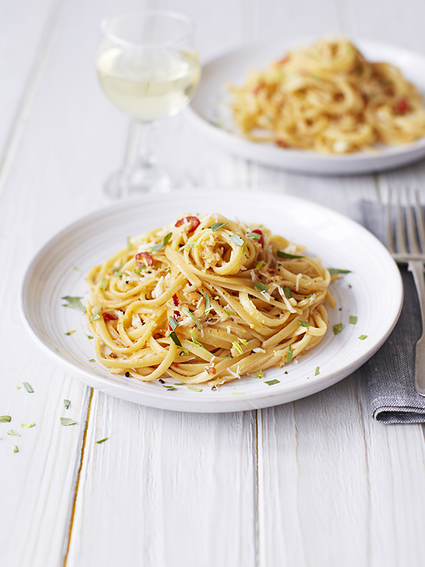 Crab Linguine Recipe With Tarragon and Lemon