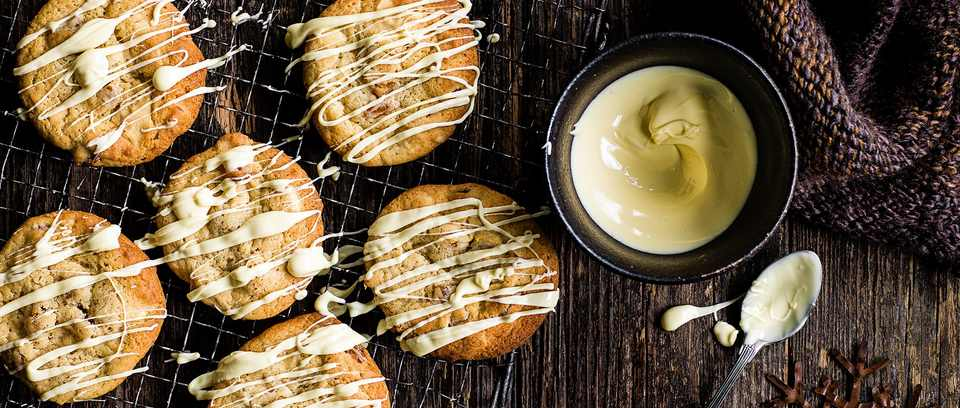 Apricot and white chocolate cookies recipe