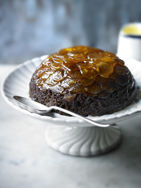 Gingerbread christmas pudding with eggnog sauce
