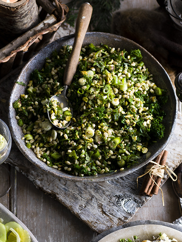 Green barley with kale, pistachios and mint