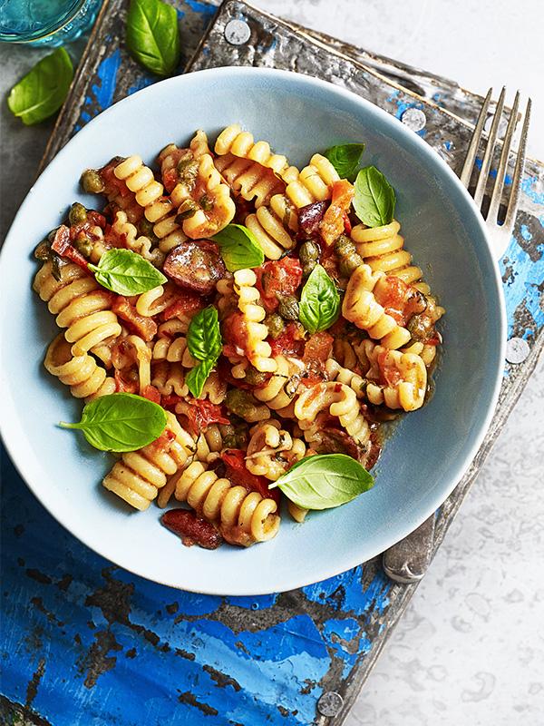 One Pot Pasta Puttanesca Recipe