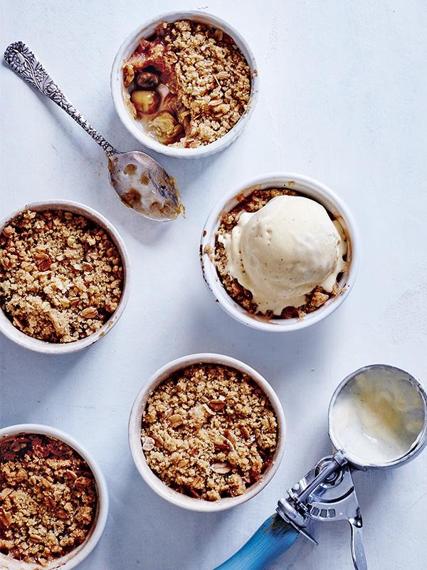 gooseberry and cinnamon crumble