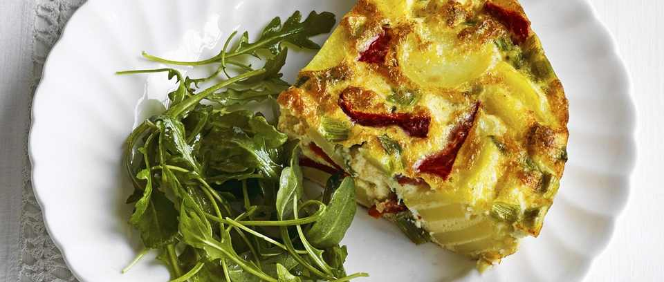 Spring onion and red pepper frittata recipe