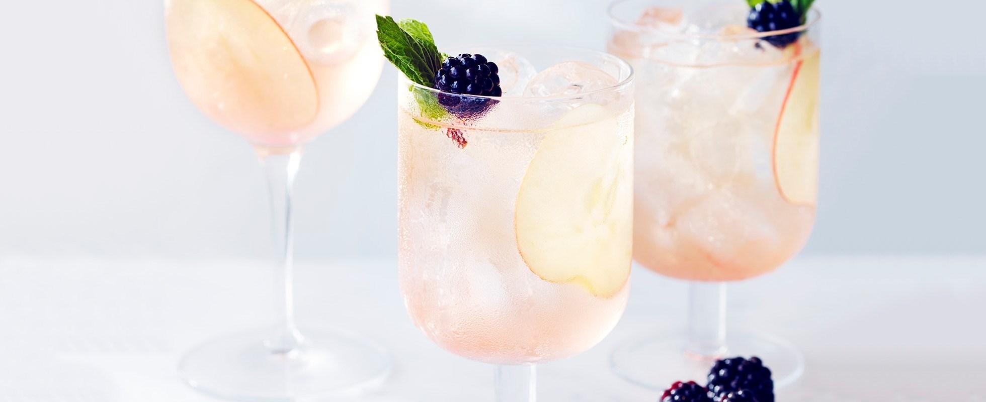 blackberry cider fizz