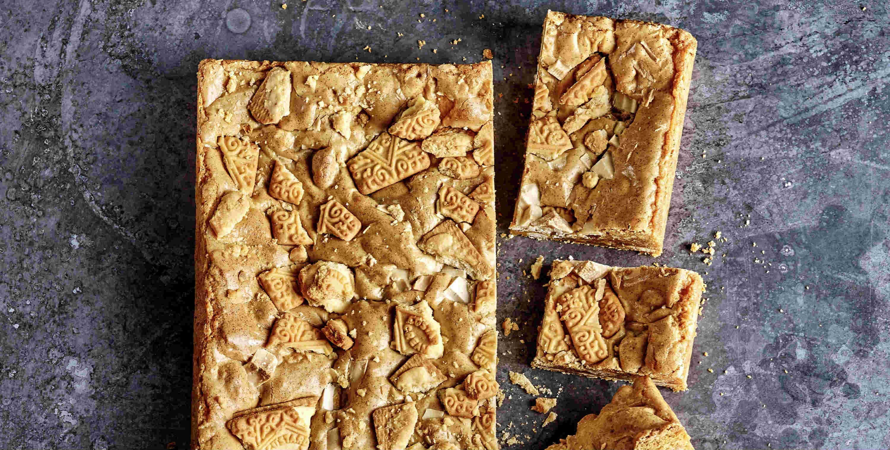 Custard creme blondies