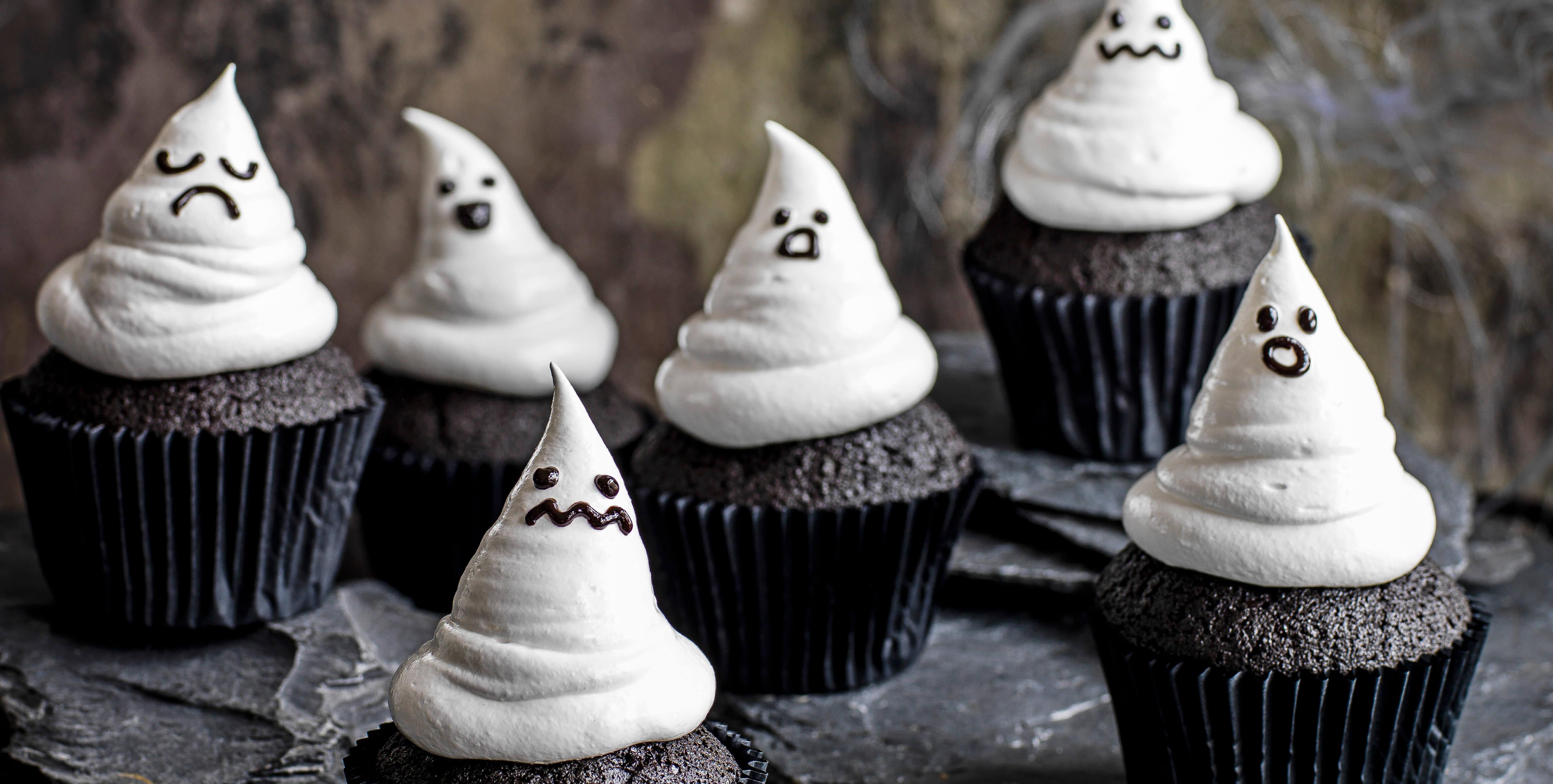 Black velvet ghost cakes