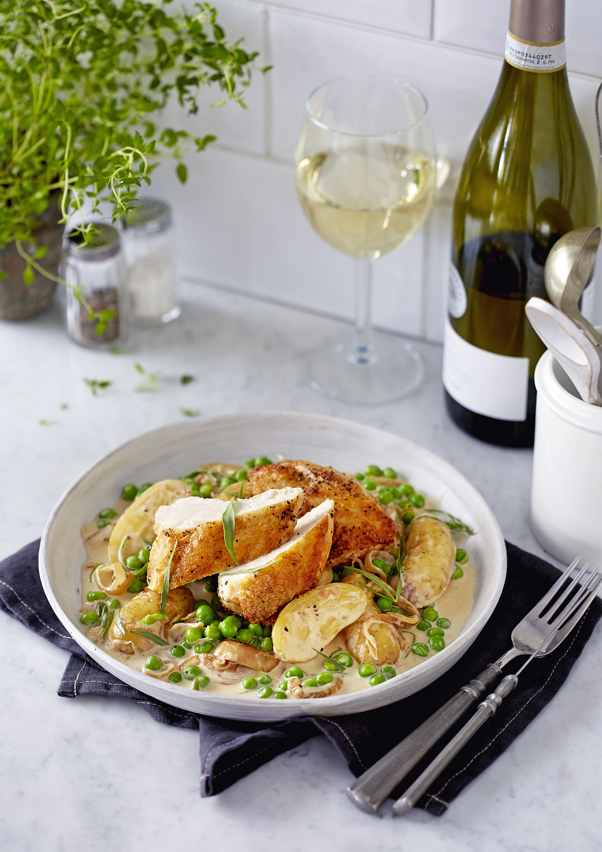 Pan fried chicken with peas and tarragon