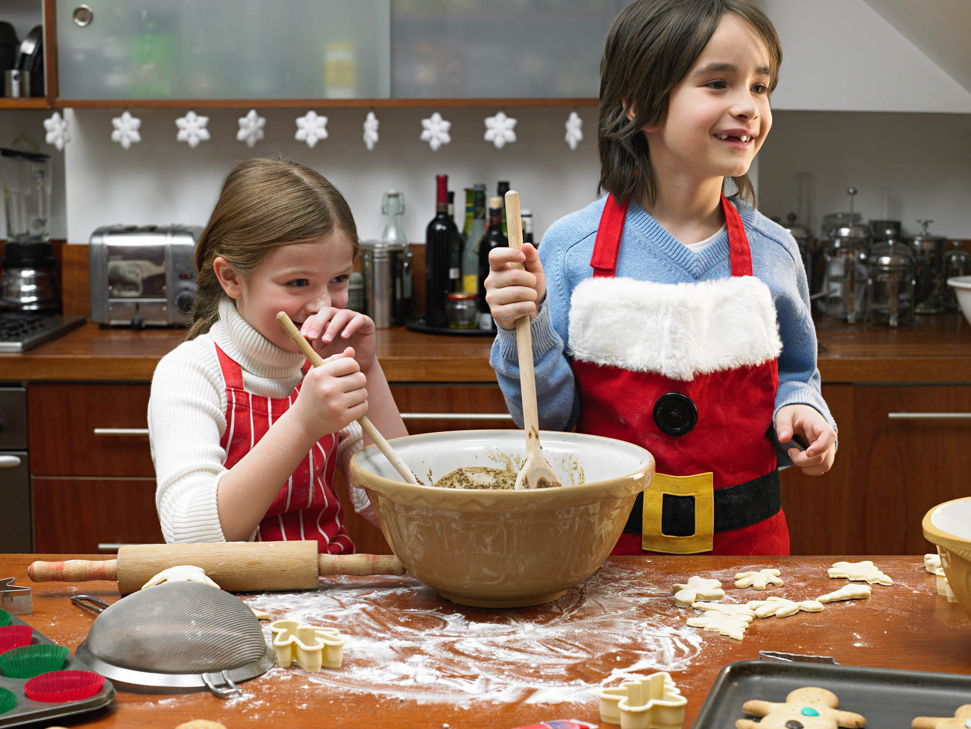 Children cooking at Christmas time