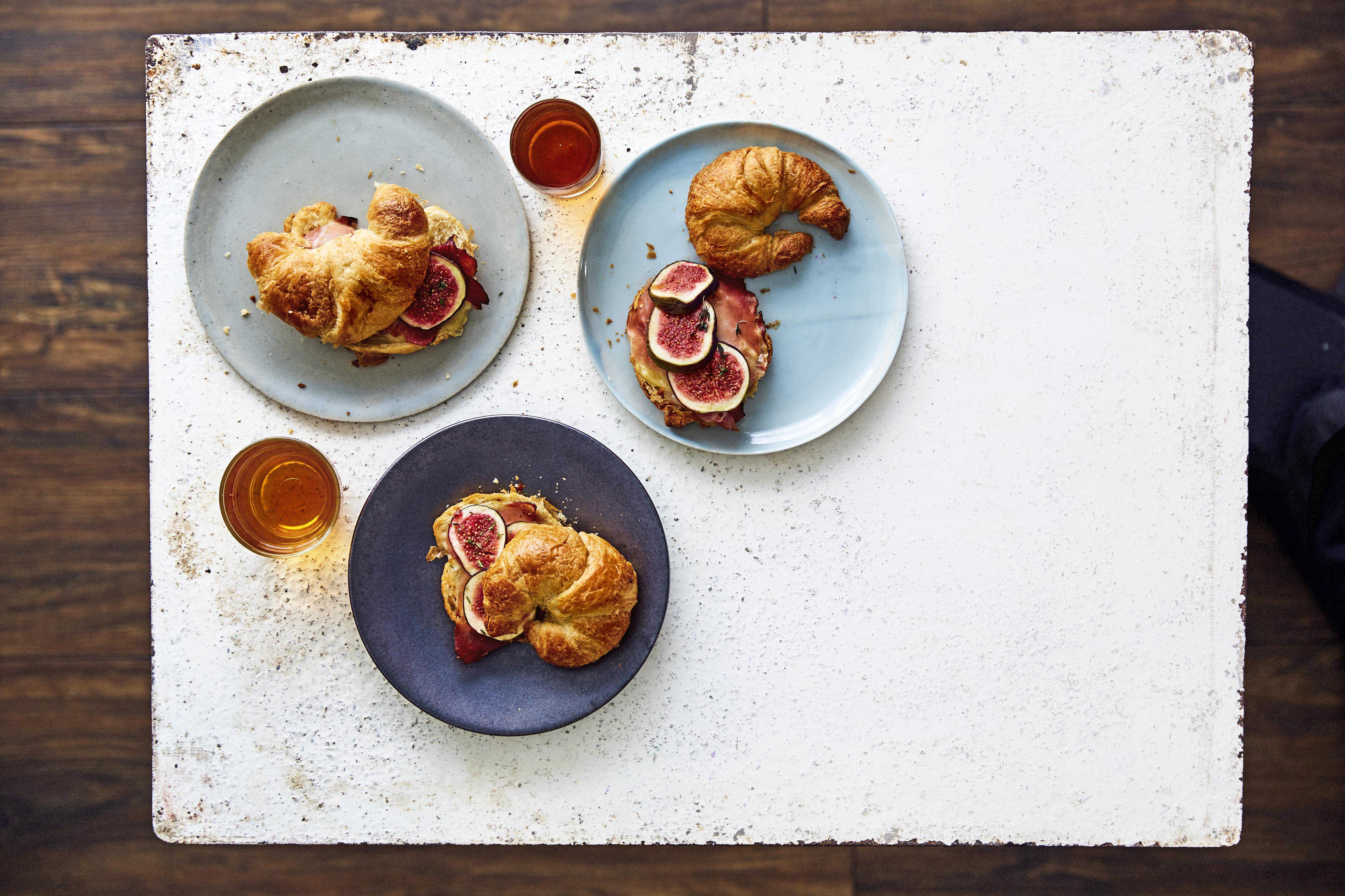 Crossiants with gruyère, fig and prosciutto