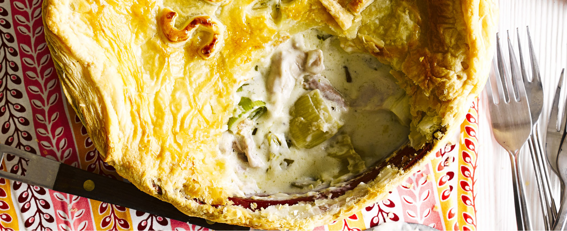 Chicken and leek puff pie