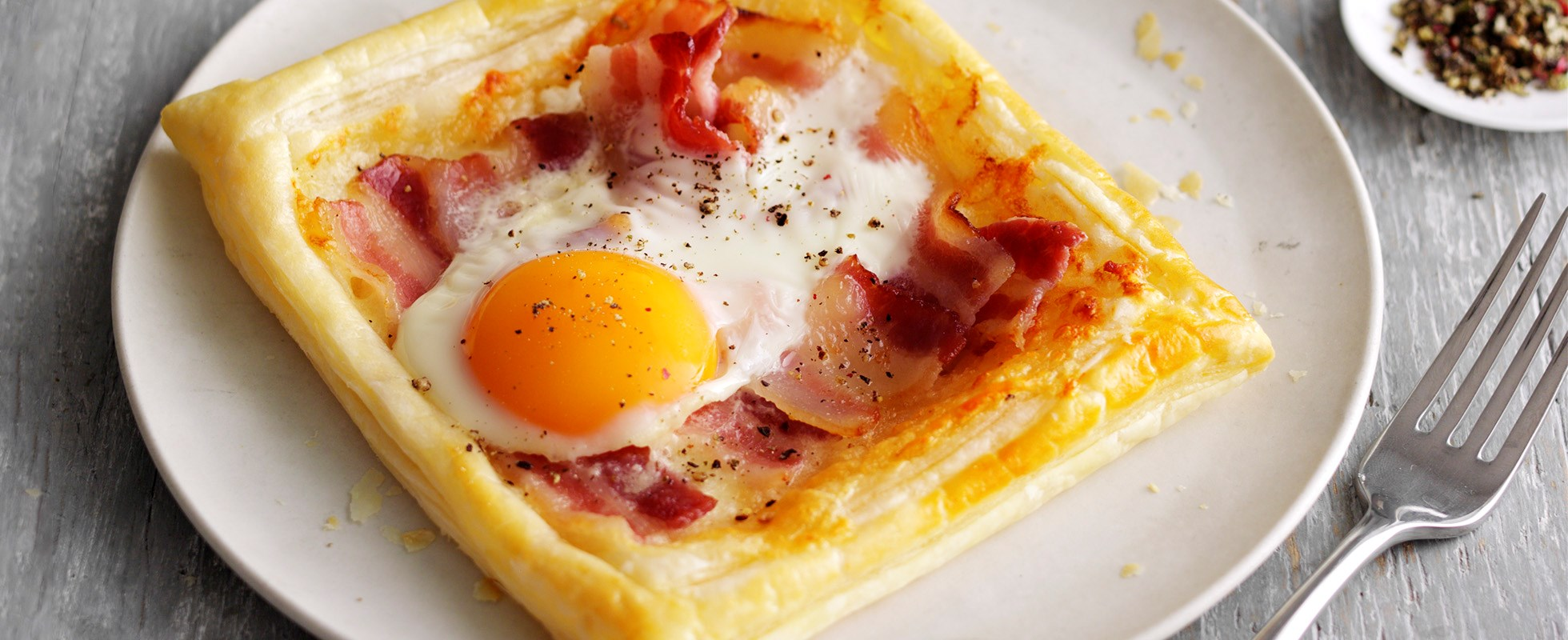 Easy egg and bacon tarts
