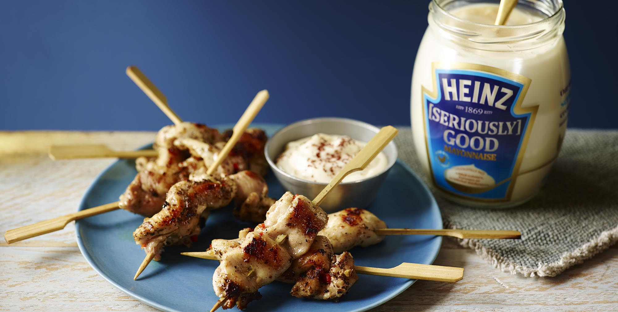 What are some good chicken recipes that use Hellman's mayonaise?