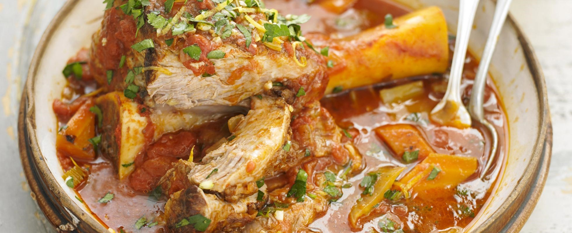 slow-cooked shin with tomato and thyme