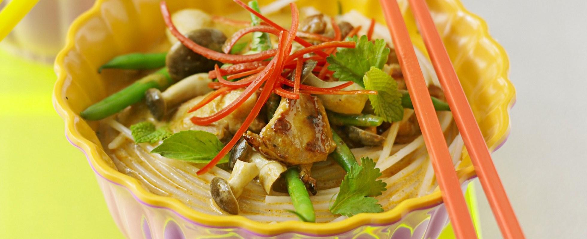 Coconut chicken noodles