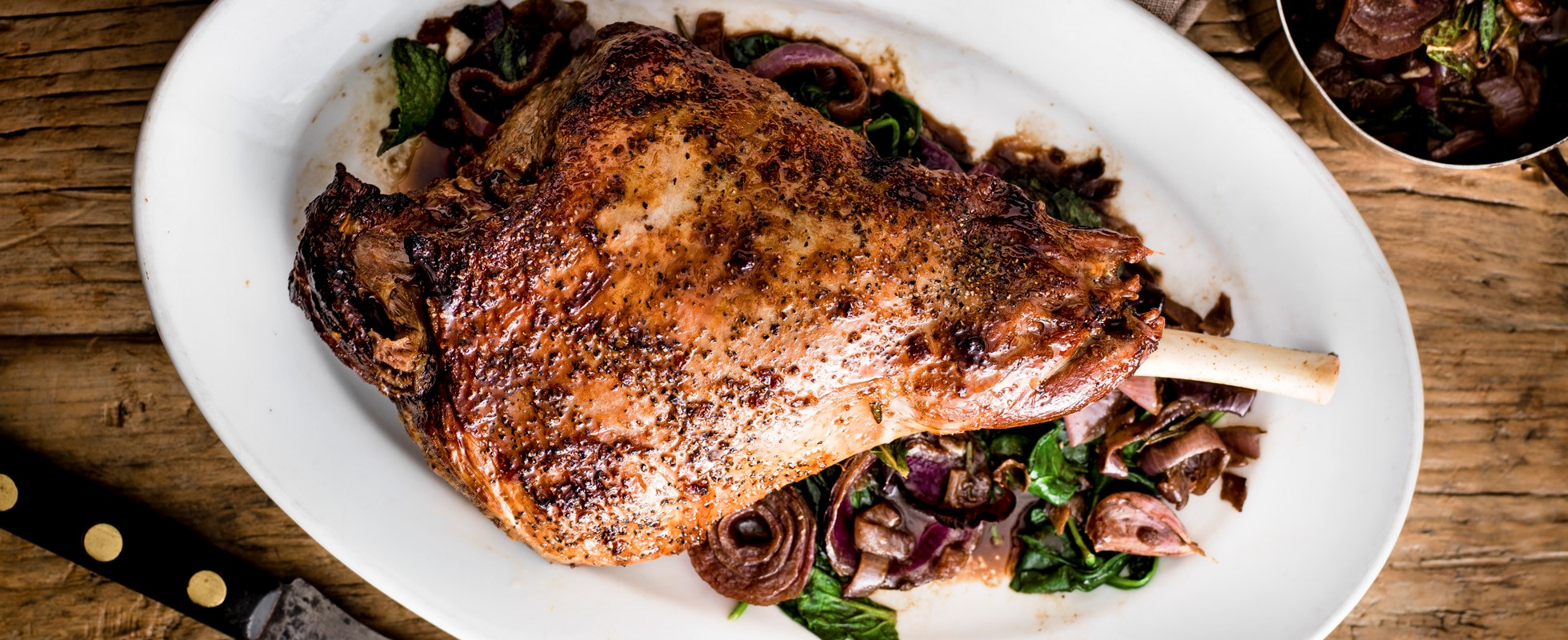 leg of lamb with pomegranate and balsamic onions