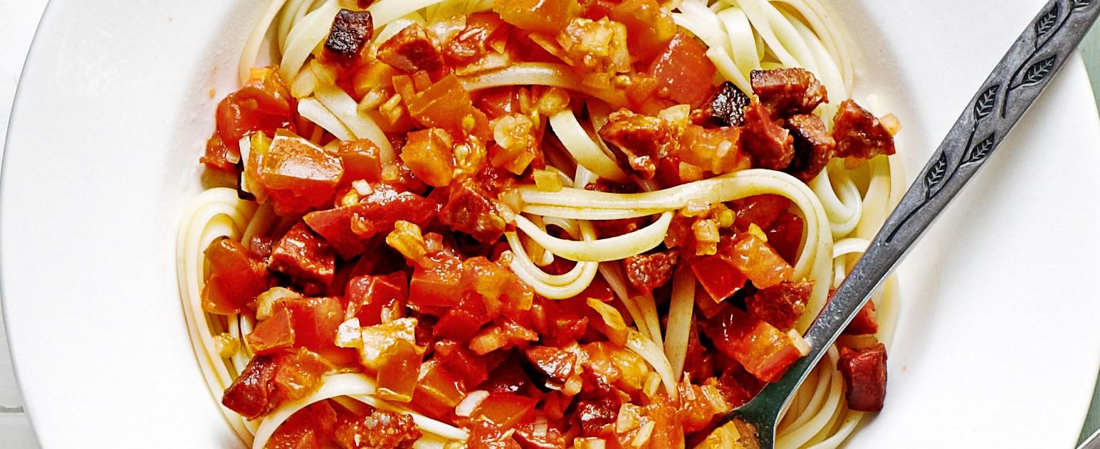 Linguine with chorizo and fresh tomato salsa