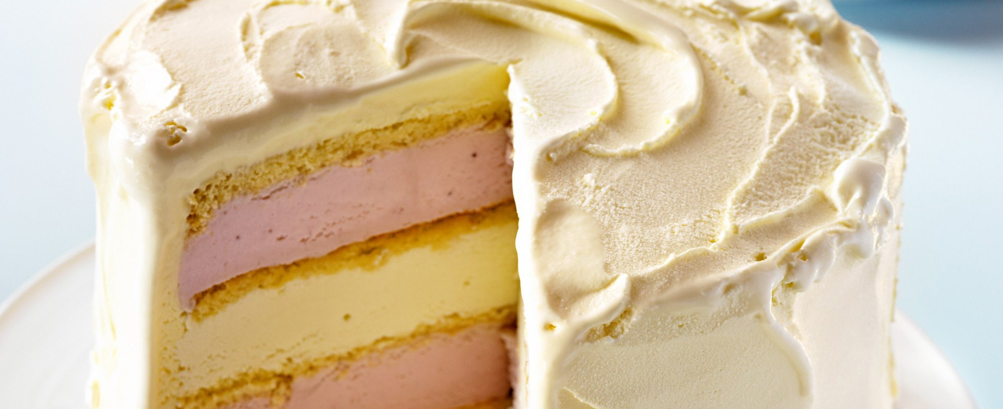 White chocolate and strawberry ice-cream cake